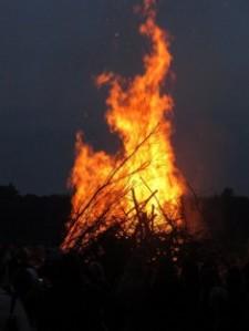 Summer-Bonfire-435x580
